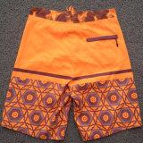 Pantalones cortos impresos de la tarjeta del ocio de los hombres