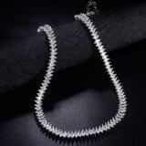 De charmante Witte Halsband van de Juwelen van de Steen van het Zirconiumdioxyde Zilveren Kleur Geplateerde