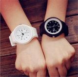Yxl-968 Geneva Jelly Quartz Relógios para homens Mulheres Unsex Dress Silicone Relógio Relógio Relojes Mujer Ladies Bangle Cheap Watches