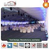 Tienda grande del banquete de boda de 300 personas con la decoración