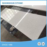 Partie supérieure du comptoir en pierre artificielle de quartz de cuisine d'étoile blanche d'étincelle
