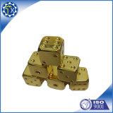 Dadi giganti di alluminio dell'oro del metallo su ordinazione grandi per il gioco