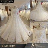 2018新しいコレクションのハンドメイドのチェリー3Dの花および水晶が付いている贅沢で長い袖のウェディングドレスの花嫁衣装