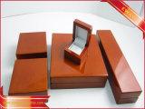 رف أحمر مجوهرات [بكينغ بوإكس] مجوهرات خشبيّة صندوق محدّد