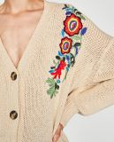 刺繍が付いている女性の方法セーターのカーディガン
