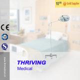 [ثر-734] مستشفى طبّيّ جراحيّة يشغل مصباح