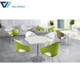 イタリアの大理石のコーヒーテーブル現代表および椅子セットの全販売のレストランのテーブルの上
