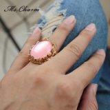 Aneis de noivado cor-de-rosa grandes chapeados ouro do Rhinestone da folha