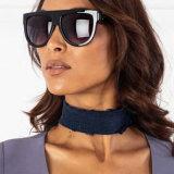 女性のための新しい到着の濃紺のハンドメイドの広いジーンのチョークバルブのネックレス