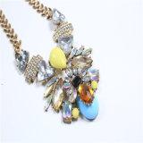 De nieuwe Halsband van de Juwelen van de Manier van de Stenen van het Glas van de Hars van het Punt Acryl
