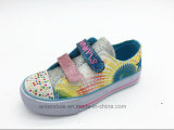 女の子(ET-LH160294K)のための2017の新しい光沢がある印刷されたキャンバスの子供の靴