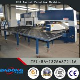 Macchine utensili di perforazione della torretta di CNC/macchina idraulica della pressa meccanica