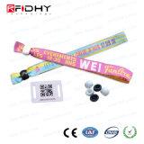 La tela tejida crea festival del Wristband para requisitos particulares de la viruta RFID del Hf NFC