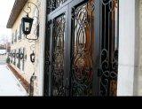 입구에 의하여 주문을 받아서 만들어지는 단철 여닫이 문