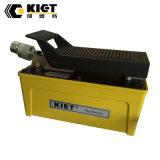 매우 고압 압축 공기를 넣은 유압 발로 밟는 공기 펌프