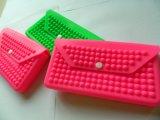 Портмоне силиконовой резины цвета конфеты для женщины