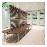 顧客用ロッカー室の寝室の家具