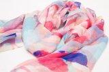 Longue écharpe en soie colorimétrique