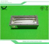 Aluminium, das medizinischen CNC-Maschinisten maschinell bearbeitet