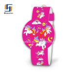 De Chinese Goedkope Horloges van de Dames van het Embleem van de Douane van het Silicone Buitensporige