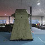 キャンプのキャンバスのテント車の屋根の上のテント4WDの柔らかい屋根の上のテント