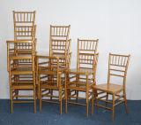 金のChiavariの椅子