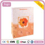 Sac de papier de mode de modèle de chrysanthemum de cadeau enduit orange d'art