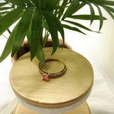 女性のための金によってめっきされるめっきの真鍮の銅のピンクのダイヤモンドのピンクのジルコンの石のリング