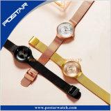 ローズの金張りのダイヤモンドの網ミラノストラップの方法腕時計