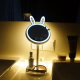 Espelho de maquilhagem iluminado LED, 2 em 1 Rabbit-Shaped Espelho Dobrável com lâmpada de mesa, escurecimento da tela de toque