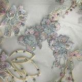 追加される3D花の刺繍の非常に明るい水晶が付いているレース