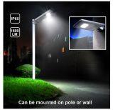 Luz de calle solar de la alta calidad toda en un diseño con el sistema de carga integrado