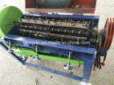 脱穀の殻をむく人の脱穀機機械を殻から取り出す中国のディーゼルモータートウモロコシのトウモロコシ