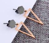 Nam de manier Uitgeholde Driehoek de Gouden Oorringen van de Nagel van het Roestvrij staal van de Kleur 316L Geometrische voor Dame Studs Earrings Women toe