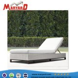 PE Wicker Piscina Chaise Lounge para exterior