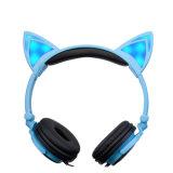 Foldable LEDの軽い方法かわいい猫耳のヘッドセットのヘッドホーン
