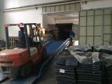 A máquina escavadora segue as trilhas 400*72.5W*74 da borracha