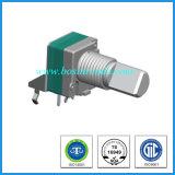 Potenziometro rotativo con la parentesi per audio strumentazione