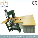 Macchina ad alta frequenza per la saldatura di sigillamento di taglio del PVC (pantaloni dell'acqua 5KW)
