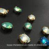 Heißer verkaufender flache Rückseiten-Grünrhinestone-Greifer, der auf ovalem fantastischem Kristallglas-Stein für Schmucksache-Zubehör-Kostüm näht