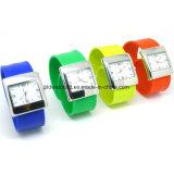 Горячий wristwatch силикона полосы шлепка сбывания с движением японии