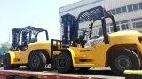 5 Tonnen-Gabel-Heber mit wahlweise freigestellten Vollreifen und Sideshifter