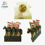 China Bom preço Esmalte Canada Cavalryman Custom Butterfly Pin Lapel