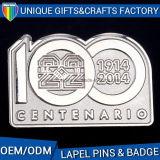 記念品OEMの工場習慣のための番号ロゴの金属のバッジPin