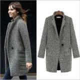 プラスのウールの女性の衣服のための厚いウールの酪農場のコート