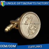 La fábrica suministró el metal grabado en relieve el botón de la manga de la puntada de la galjanoplastia del oro