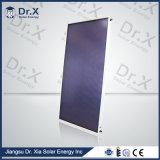 Синий титановым покрытием с плоской панелью солнечного коллектора