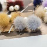 Nove il doppio della perla di colori POM Poms ha parteggiato orecchini della vite prigioniera