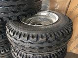 Räder mit Werkzeug-Reifen 10.0/75-15.3 und Felge 9.00X15.3 beenden
