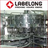 Máquina de rellenar de la cerveza de la botella de cristal con los casquillos de corona